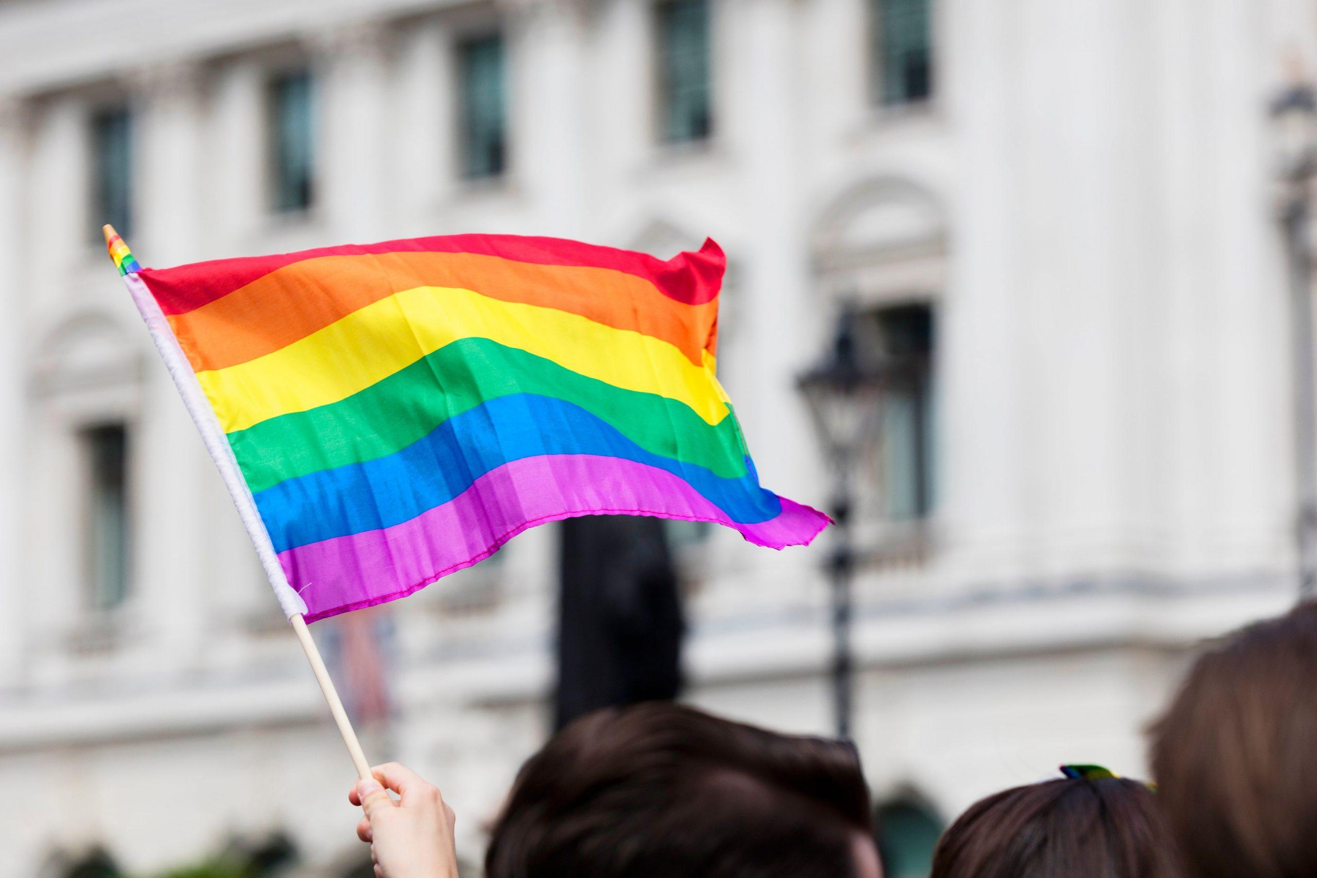 Como combater a LGBTFobia no ambiente de trabalho   NeoAssist