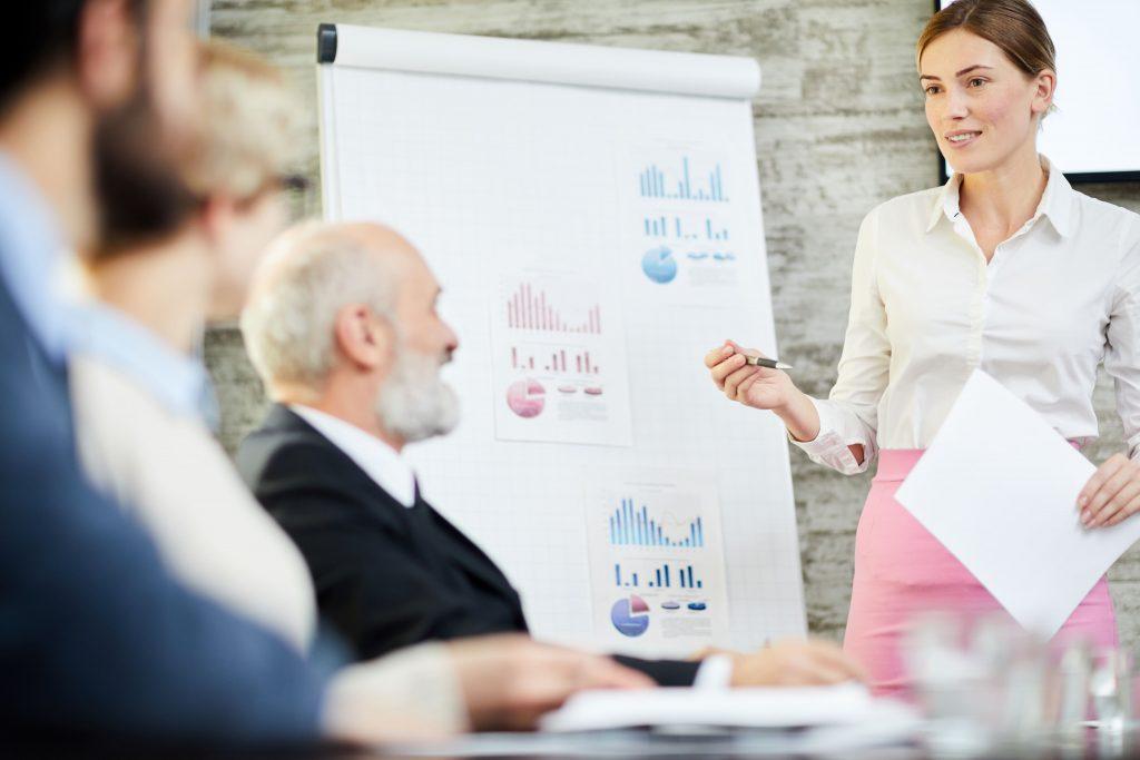 Ofereça treinamentos e melhore o relacionamento com o cliente